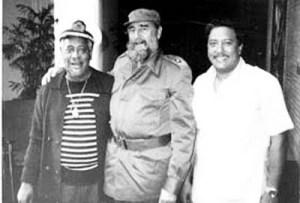 Arturo Sandoval junto a Dizzi Gillespie y Fidel Castro en una foto publicada por el diario cubano Granma